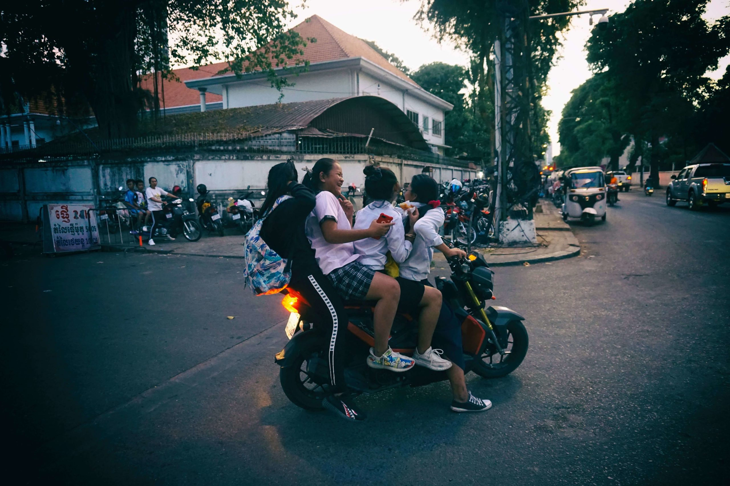Girls on scooter in Phnom Penh - Cambodia